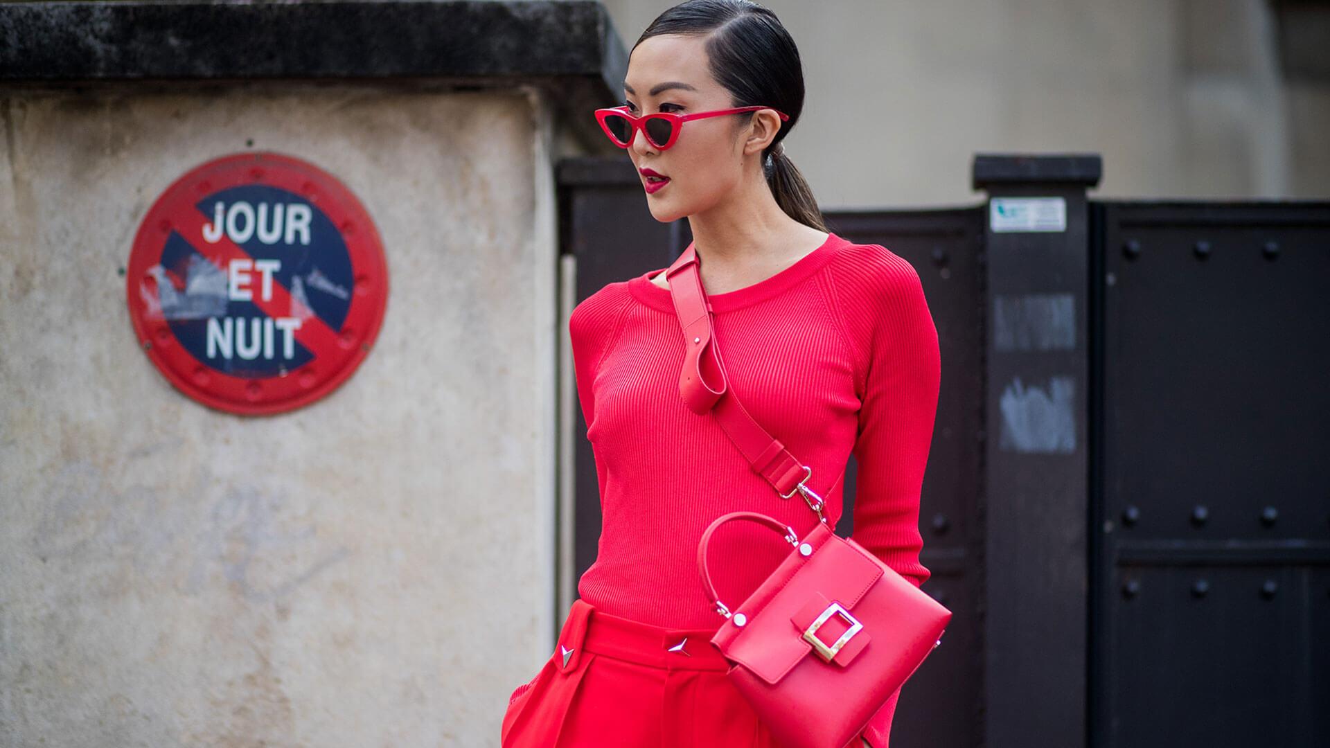 Dlaczego czerwona torebka?