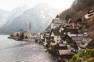 Jak tanio zorganizować wakacje w Austrii? Co warto zobaczyć w czasie pobytu w tym kraju?