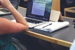 Nauka języka obcego online – jakie są zalety?