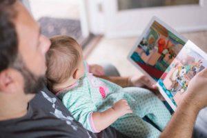 Najlepsze pomysły na prezent dla niemowlęcia, sprawdź!