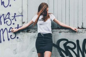 Rodzaje dopasowanych spódnic idealnych do letnich stylizacji