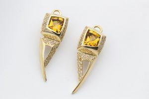 Efektowne wzory złotych kolczyków damskich